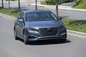 2016 Hyundai Sonata Hybrid Review