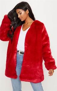 Fausse Fourrure Rouge : manteau en fausse fourrure rouge manteaux et vestes prettylittlething fr ~ Teatrodelosmanantiales.com Idées de Décoration