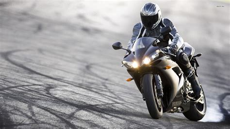 Free Motorcycle Wallpapers