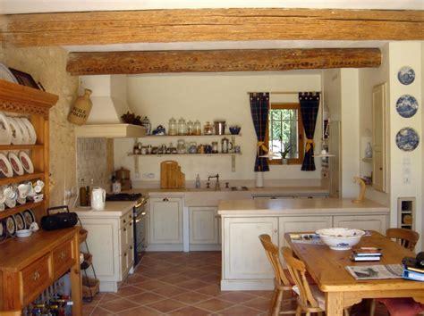 cuisine ales décoration cuisine traditionnelle