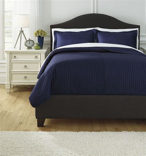 raleda navy king comforter set q497003k ashley
