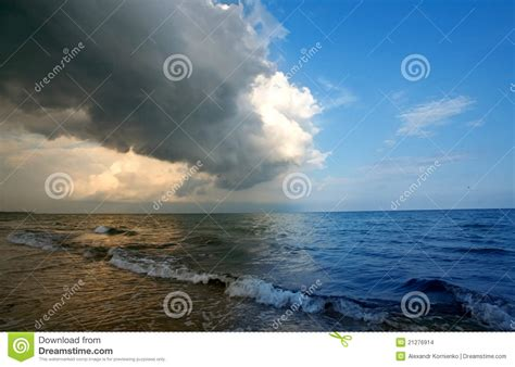 Storm Approaching Stock Images - Image: 21276914
