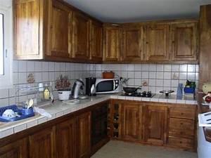 transformer cuisine rustique cuisine moderne idee deco With marvelous meuble de cuisine en bois rouge 6 com moderniser cuisine rustique