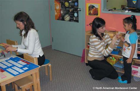becoming a montessori preschool kindergarten assistant 437 | teachers working together