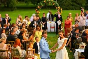Dresscode Hochzeit Gast : feinstes zur hochzeit garderobe und dresscode f r die g ste ~ Yasmunasinghe.com Haus und Dekorationen