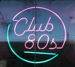 Club 80s neon sign