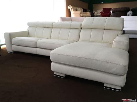 divano angolare  penisola  pelle panna avorio  offerta