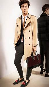Trench Coat Burberry Homme : lyst burberry the chelsea heritage trench coat in natural for men ~ Melissatoandfro.com Idées de Décoration
