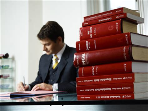 lawyers    money   matt bruenig