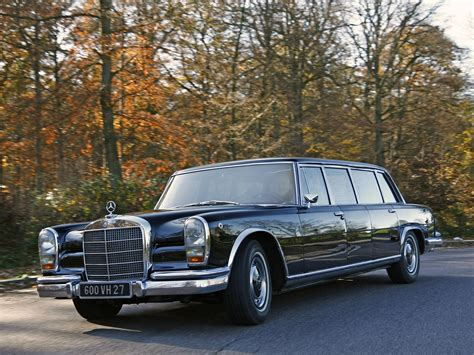 This fully armoured state limousine with a raised roof was produced in 1965 as a unique specimen for the company's own car fleet. MERCEDES BENZ 600 Pullman (V100) specs - 1964, 1965, 1966 ...