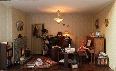 kt miniatures journal update  lindas  living room