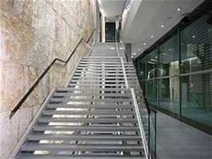 Treppe 3 Stufen Aussen : stahltreppen innen modelle und preise treppen team treppen team ~ Frokenaadalensverden.com Haus und Dekorationen
