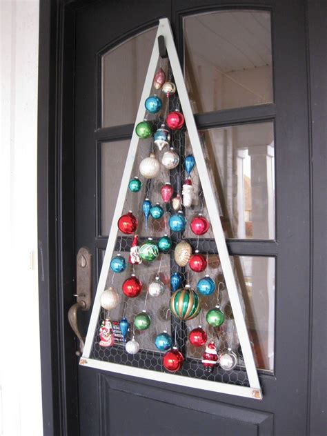 chicken wire ornaments tree frame backed with chicken wire it u could get all supplies from