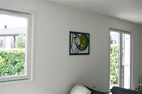 comment accrocher un tableau sans faire de trou au mur conseils et astuces bricolage