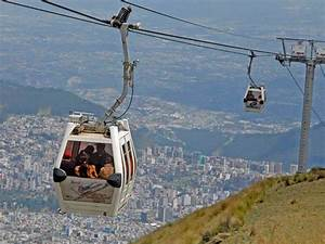 Cable car in Quito up Pichincha volcano | Photo