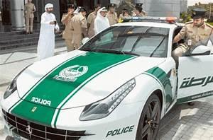 Voiture Police Dubai : police de duba apr s la lamborghini aventador la ferrari ff ~ Medecine-chirurgie-esthetiques.com Avis de Voitures