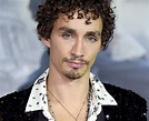 Robert Sheehan: 15 facts you didn't know about The ...