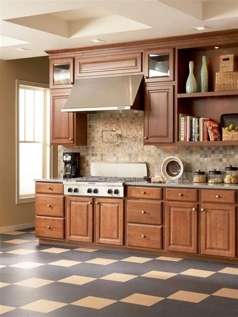 Ceramic tile offers the choice of unglazed or glazed surfaces in a large variety of finishes. Linoleum Kitchen Floors   HGTV