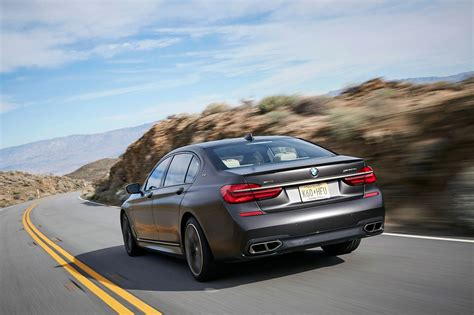 BMW Car : Bmw M760li Xdrive V12 (2017) Review By Car Magazine