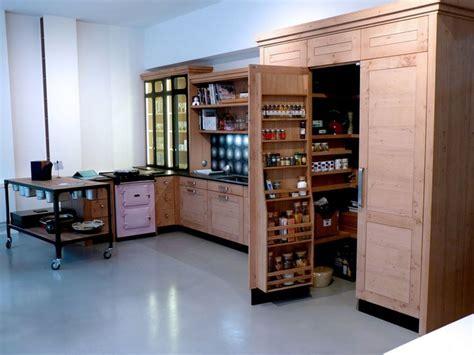 cellier cuisine amnagement cellier cuisine 40 solutions de rangement pour