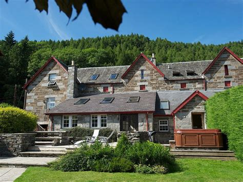 lodges in perthshire with tubs luxury 5 cottages kenmore highland perthshire