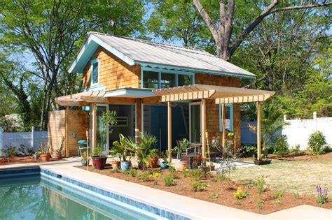 gartenhaus maritim einrichten poolhaus maritim gartenhaus atlanta architectural collaborative