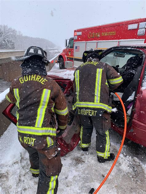 I-35 vehicle accident sends woman to hospital - Guthrie ...