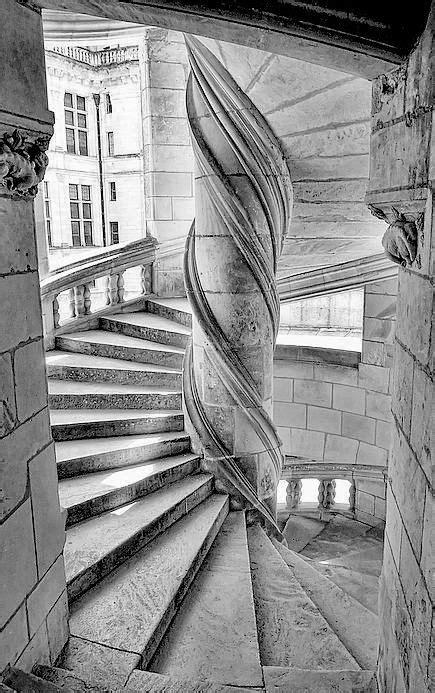 escalier du chateau de chambord chateaus