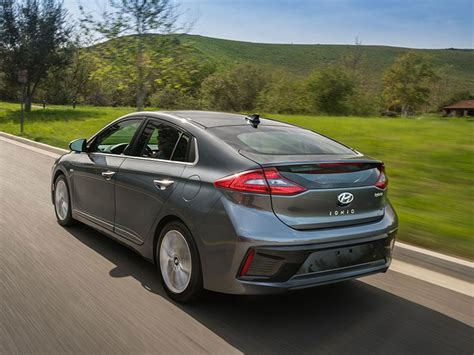 In Hybrid Cars 2017 by 10 Best Hybrid Cars To Buy In 2017 Autobytel