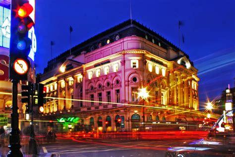 illuminations  london  christmas eve london