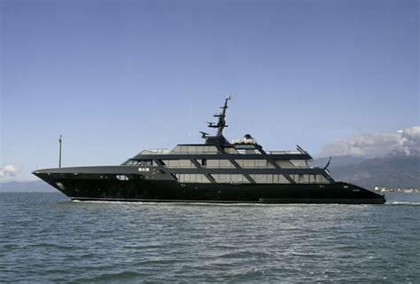 main lo yacht  giorgio armani