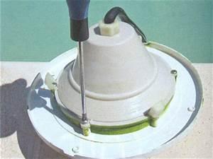 Projecteur De Piscine : changer l 39 ampoule de son projecteur piscine en 7 tapes ~ Premium-room.com Idées de Décoration