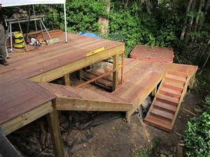 Escalier Terrasse Bois : terrasse sur pilotis avec escalier et jacuzzi ~ Nature-et-papiers.com Idées de Décoration