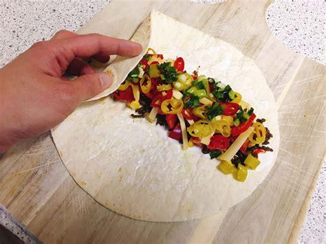 wraps richtig falten chili wrap rezept scharfe wraps mit chili chilirezept de