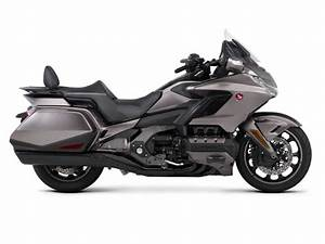 Gold Wing 2018 : 2018 honda gold wing automatic dct review total motorcycle ~ Medecine-chirurgie-esthetiques.com Avis de Voitures