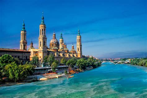 Guía de gastronomía, ocio, cultura, turismo, escapadas, sitios de interés. Maquilladora profesional en Zaragoza - ANUXKA MAKEUP ARTIST