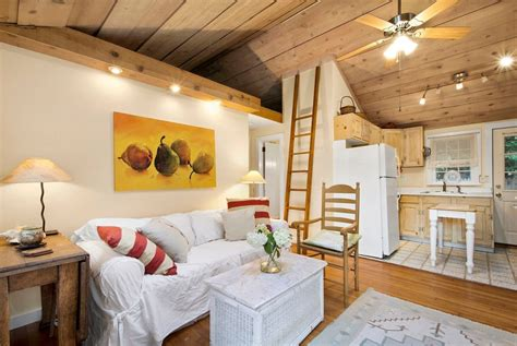 A Tiny Home For Kicking Back In The Hamptons
