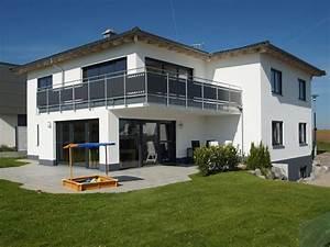 Haus Mit Walmdach : haus dom einfamilienhaus von digabau attraktives ~ Lizthompson.info Haus und Dekorationen