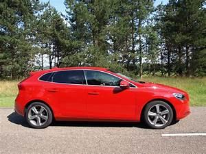 4 4 Volvo : essai volvo v40 t4 comme sur un nuage ~ Medecine-chirurgie-esthetiques.com Avis de Voitures