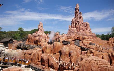 Frontierland - Magic Kingdom - LaughingPlace.com