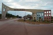 File:Portal de entrada da cidade de Corumbá - Julho 2006 ...