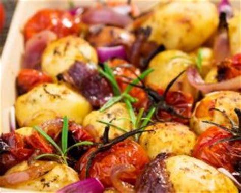 recette de pommes de terre et tomates cerises r 244 ties au four