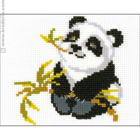 maison du canevas et de la broderie kit point de croix panda riolis la maison du canevas et de la broderie