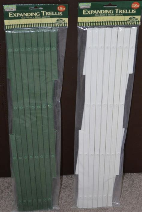 Expanding Trellis Fence by White Green Plastic Expanding Garden Trellis 1 8m X 0 4m