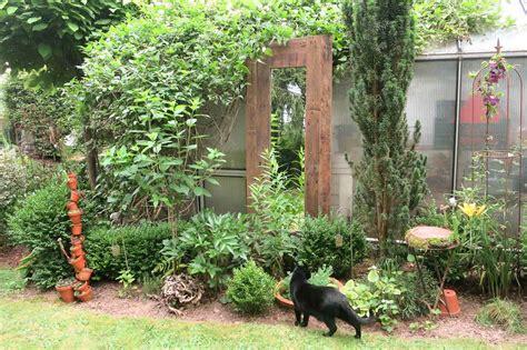 Gartenspiegel Aus Alten Paletten