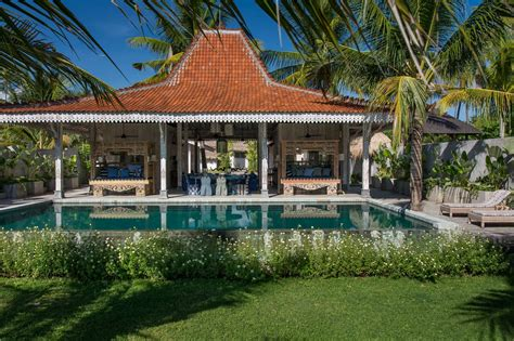 Luxury Villa In Sire Lombok