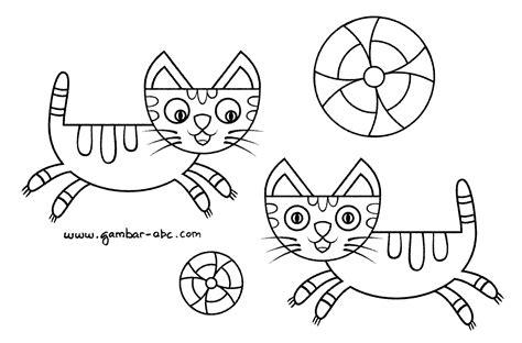gambar mewarnai binatang kucing kartun lucu