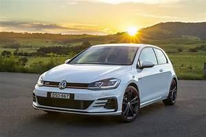 Volkswagen Golf 2018 : 2018 volkswagen golf gti original first drive review driven volkswagen 39 s three door golf gti ~ Melissatoandfro.com Idées de Décoration