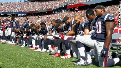 knee    nfl players protesting
