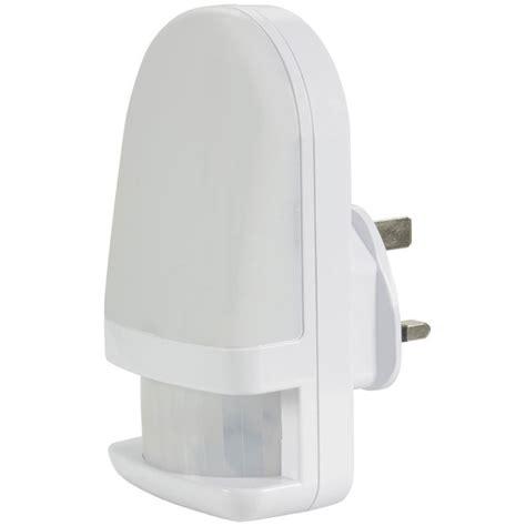 Led Plug Mains Night Light With Pir Sensor Connevans